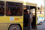 روزهای گرم و ناوگان فاقد سیستم تهویه در اندیمشک/اتوبوسهای شهری یا سونای خشک سیار!