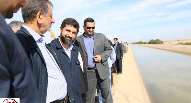 گزارش تصویری بازدید معاون اول رئیس جمهوری از کانال انتقال آب به عرصه فوق بحرانی گرد و خاک در اهواز
