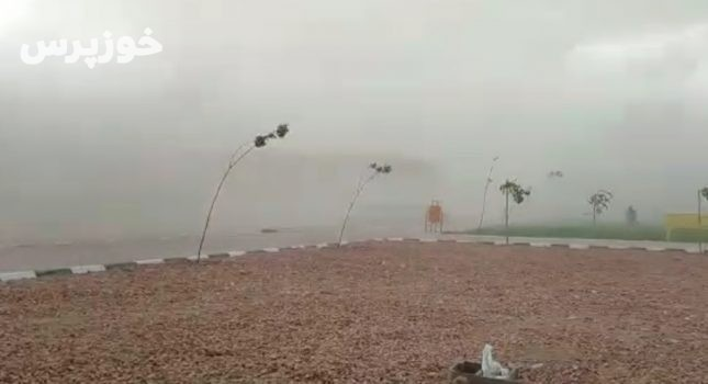 وزش باد و برخاستن گرد و غبار شدید در ایذه + فیلم